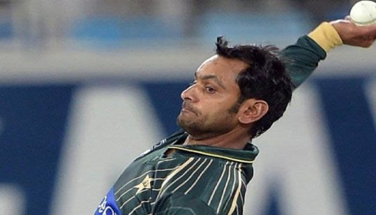 Mohammad Hafeez contracts with dengue fever