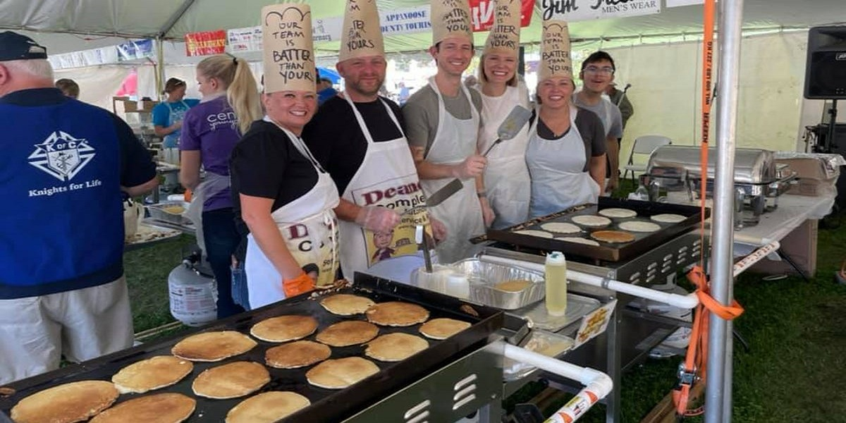 Lowa people prepares pancakes up to 14,280 for Guinness world record