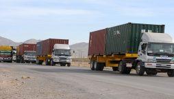 Pakistani trailers stranded
