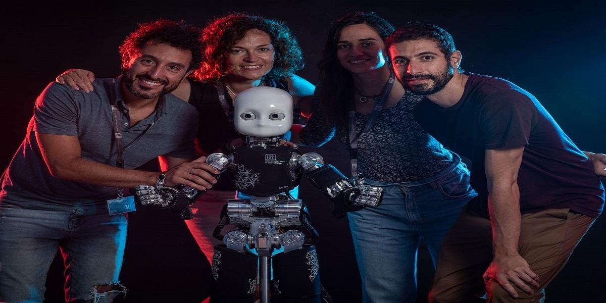 Robot's gaze affecting the human brain