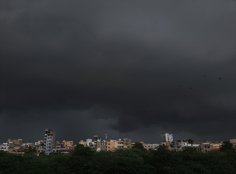 Air pressure in India has weakened, rain is likely in Karachi and other cities