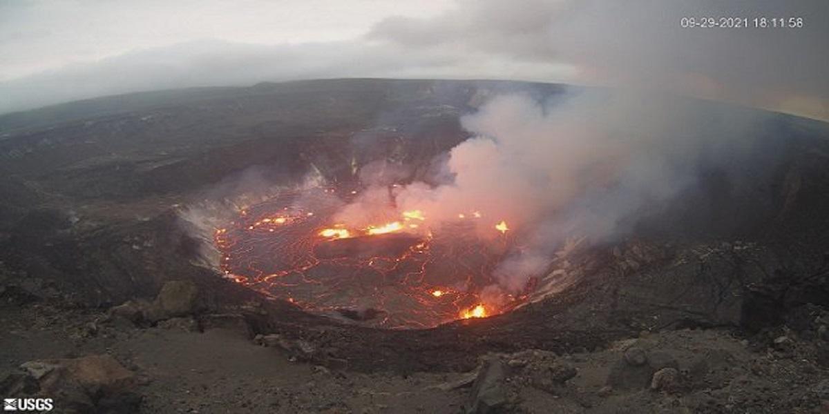 Hawaii reports the Kilauea volcano erupting in big island in big island