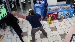 Watch: How marine expert disarms robber breaking into the gas station store