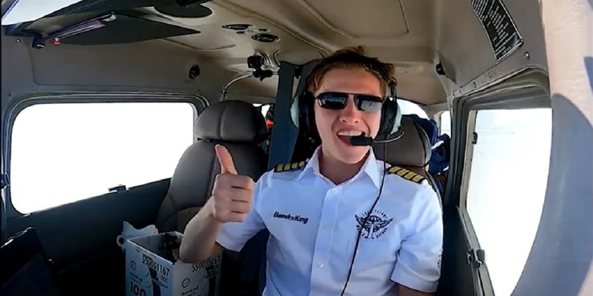 British teenager: The youngest person to fly around the world