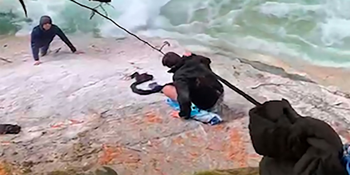 Canada: Five Sikh men use their turbans to save a hiker near a waterfall