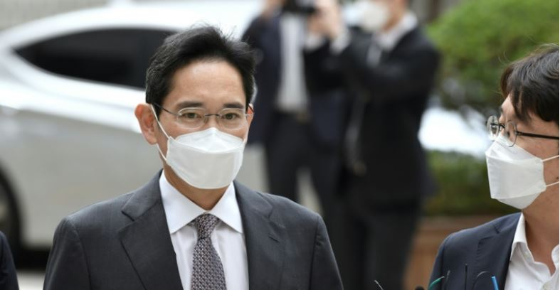 Samsung boss goes on trial on drugs charges