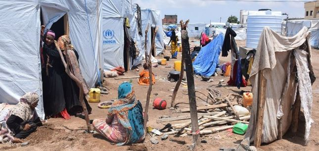 yemen displaced familes in shelter homes